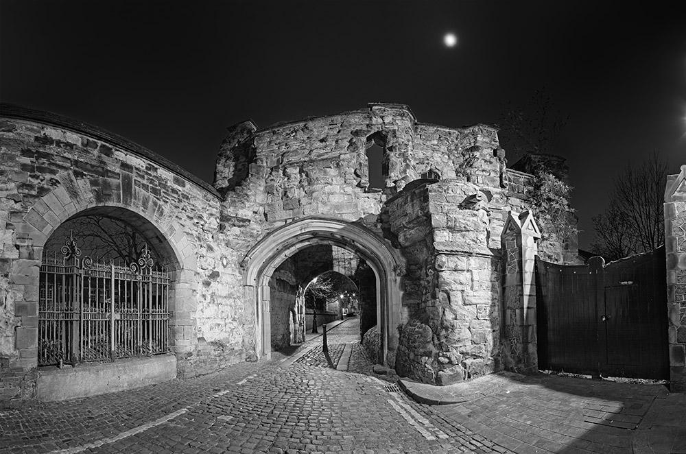 Castle yard gateway, Leicester